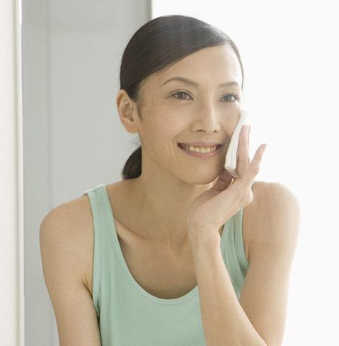 Anti-Aging Articles | Neutrogena®
